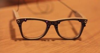 AVG privacy glasses