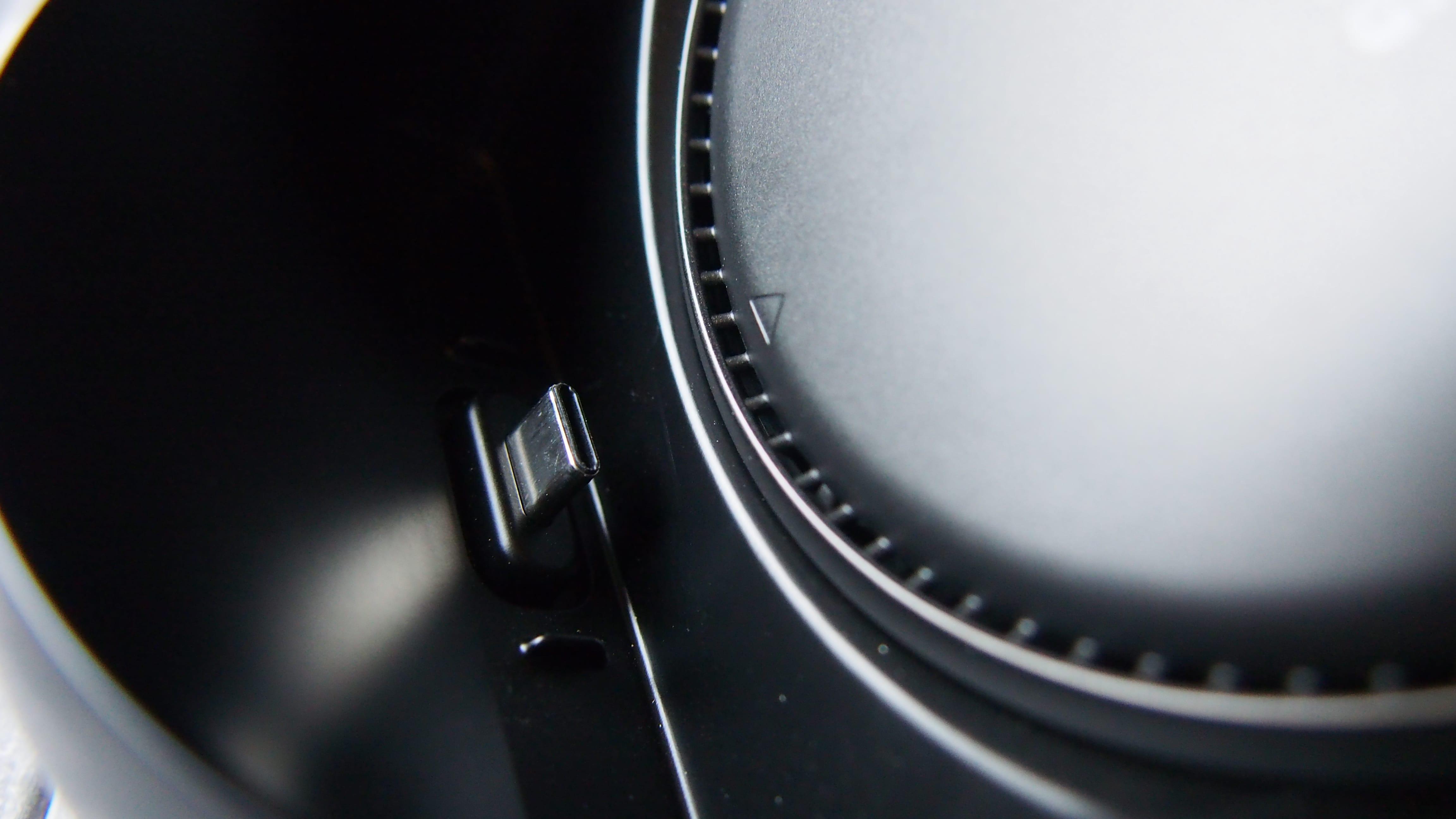 חיבור USB-C בעריסת DeX של סמסונג