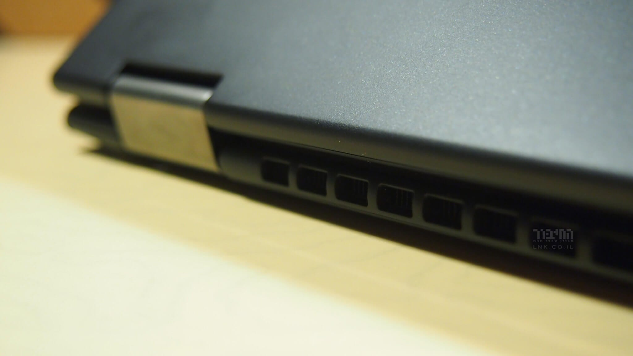 ThinkPad X13 Yoga exhaust vents