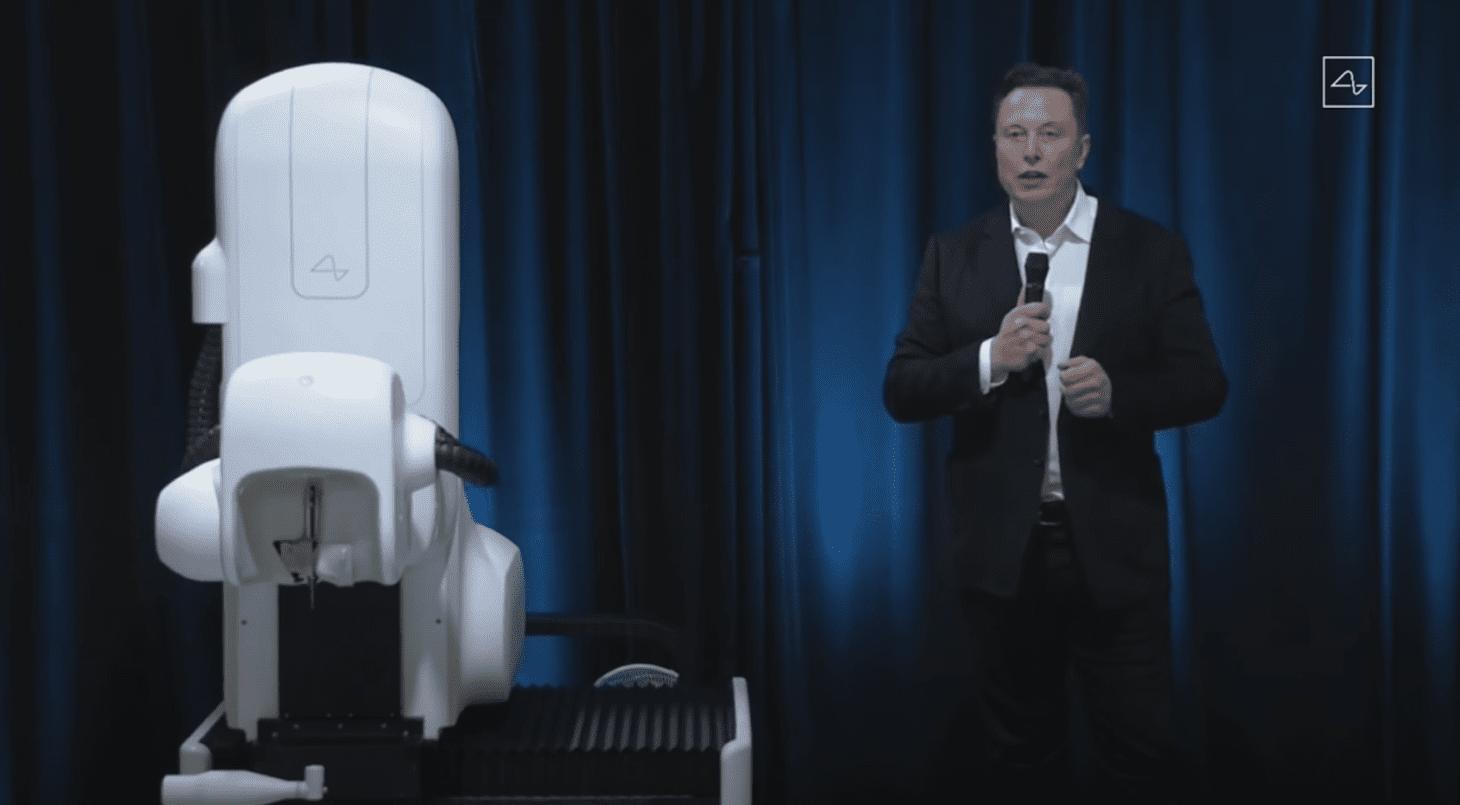 מאסק והרובוט המנתח של נוירלינק