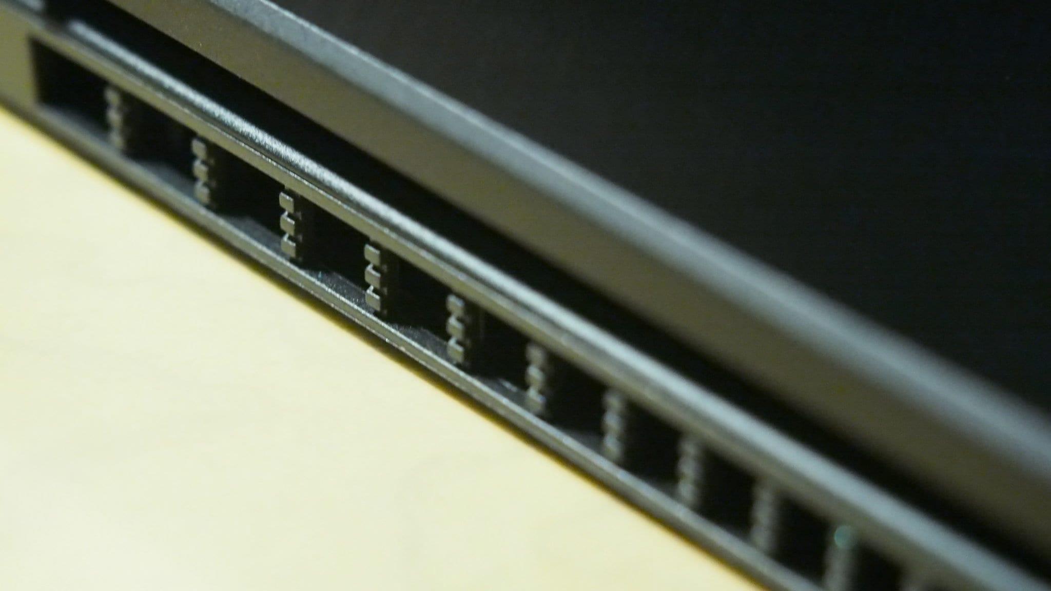 פתחי האוורור של Zenbook Flip 13