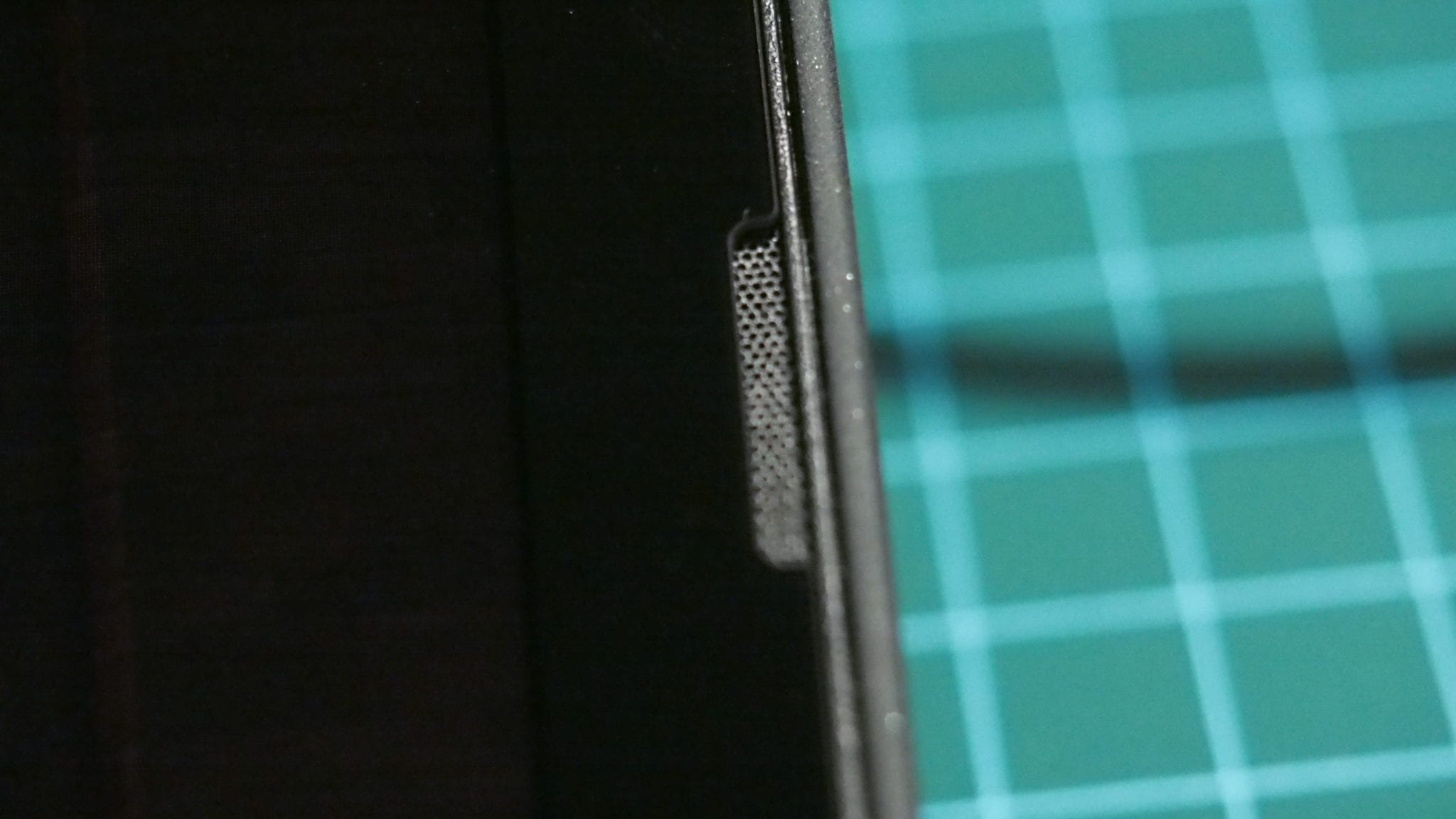 רמקול סביר ובינוני ב-ThinkPad X12 Detachable
