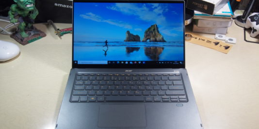 Acer Swift 5 במבט מהחזית